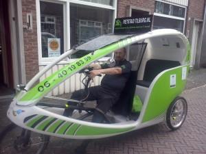 Nieuwe accu's, fietstaxi Tilburg